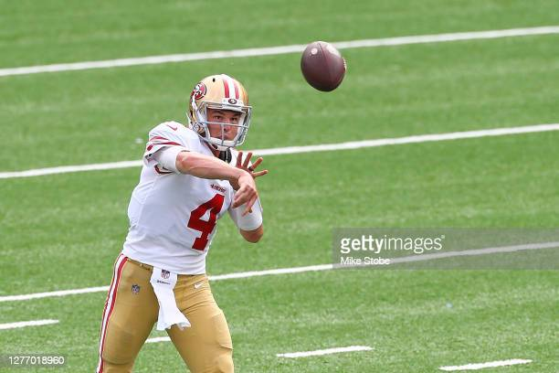 Nick Mullens of the San Francisco 49ers passes the ball against the New York Giants at MetLife Stadium on September 27, 2020 in East Rutherford, New...