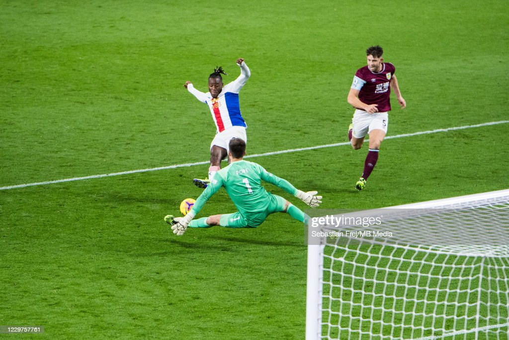 Burnley v Crystal Palace - Premier League : News Photo