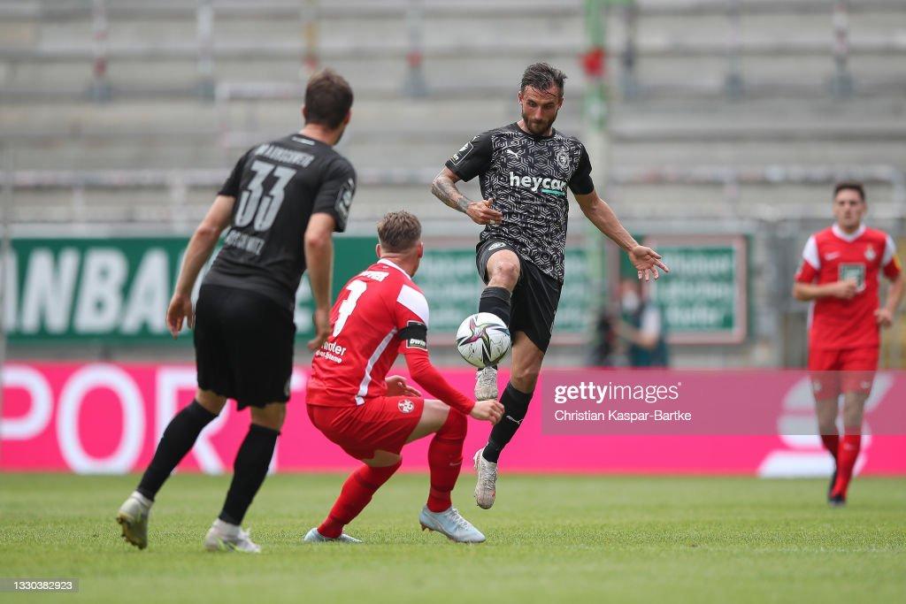 1. FC Kaiserslautern v Eintracht Braunschweig - 3. Liga : Nachrichtenfoto