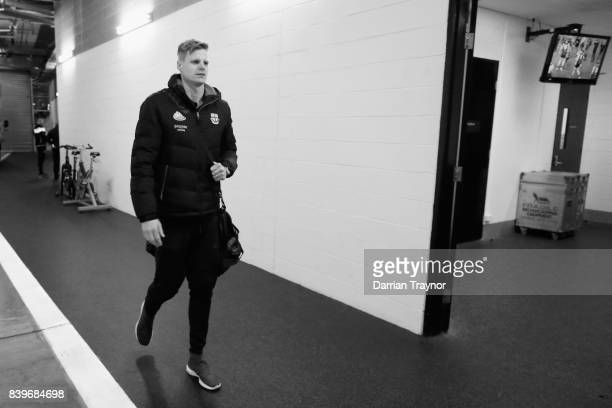 Nick Riewoldt of the Saints arrives before his last game the round 23 AFL match between the Richmond Tigers and the St Kilda Saints at Melbourne...