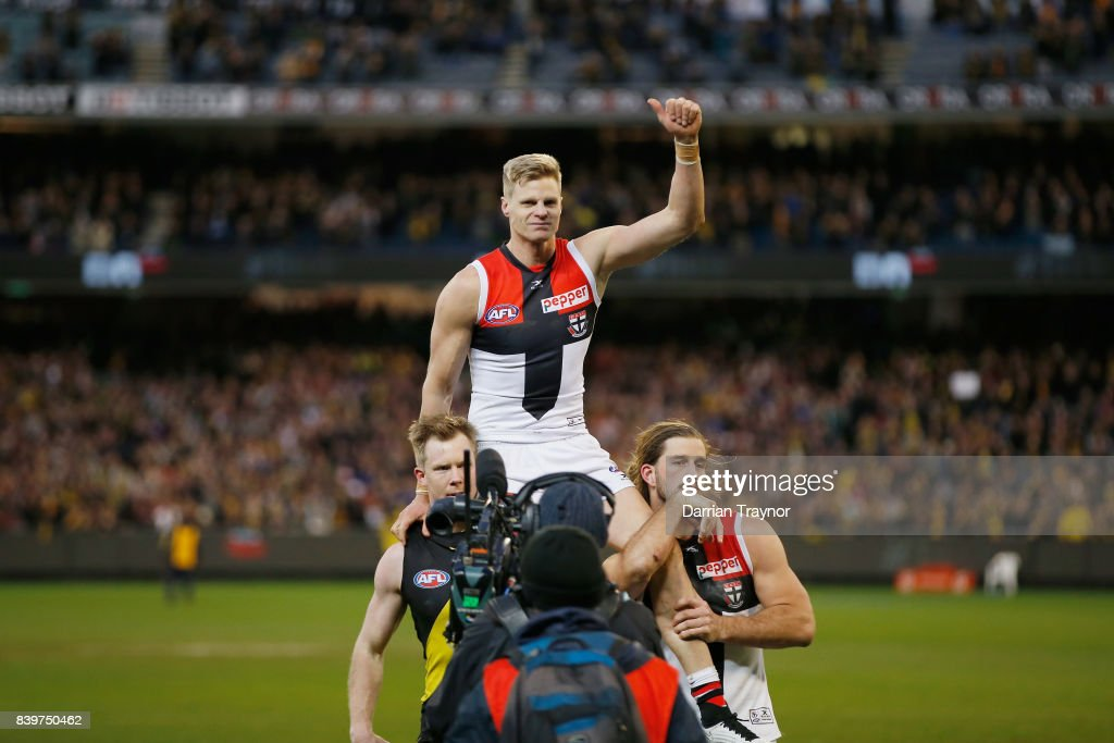 Nick Riewoldt of the Saints is chaired off in his final game after the round 23 AFL match between the Richmond Tigers and the St Kilda Saints at Melbourne Cricket Ground on August 27, 2017 in Melbourne, Australia.