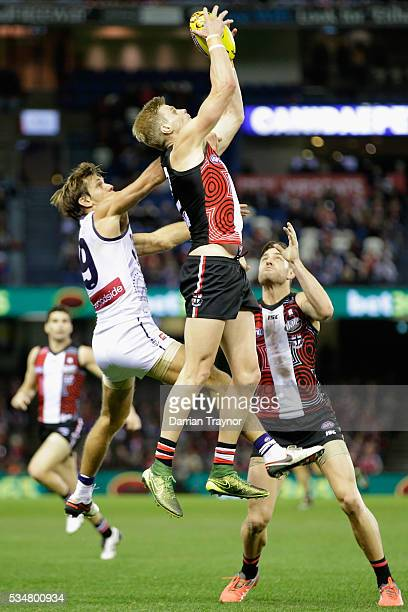 Nick Riewoldt of the Saints marks the ball during the round 10 AFL match between the St Kilda Saints and the Fremantle Dockers at Etihad Stadium on...