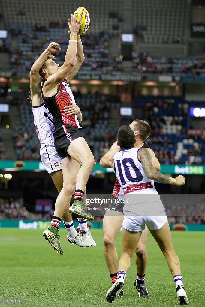 AFL Rd 10 - St Kilda v Fremantle : News Photo