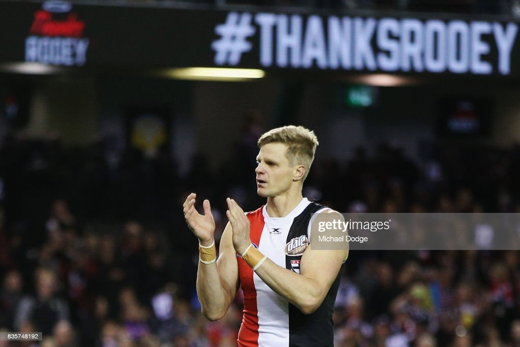 Nick Riewoldt of the Saints thx fans after winning his last home match during the round 22 AFL match between the St Kilda Saints and the North Melbourne Kangaroos at Etihad Stadium on August 20, 2017 in Melbourne, Australia.