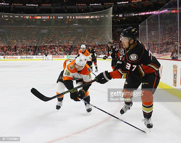 Nick Ritchie of the Anaheim Ducks skates against the Philadelphia Flyers at the Wells Fargo Center on October 20 2016 in Philadelphia Pennsylvania