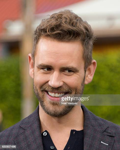 Nick Viall visits 'Extra' at Universal Studios Hollywood on January 3 2017 in Universal City California