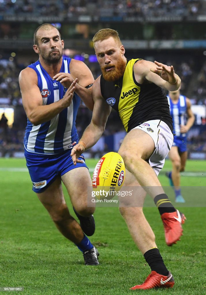 AFL Rd 8 - North Melbourne v Richmond : News Photo