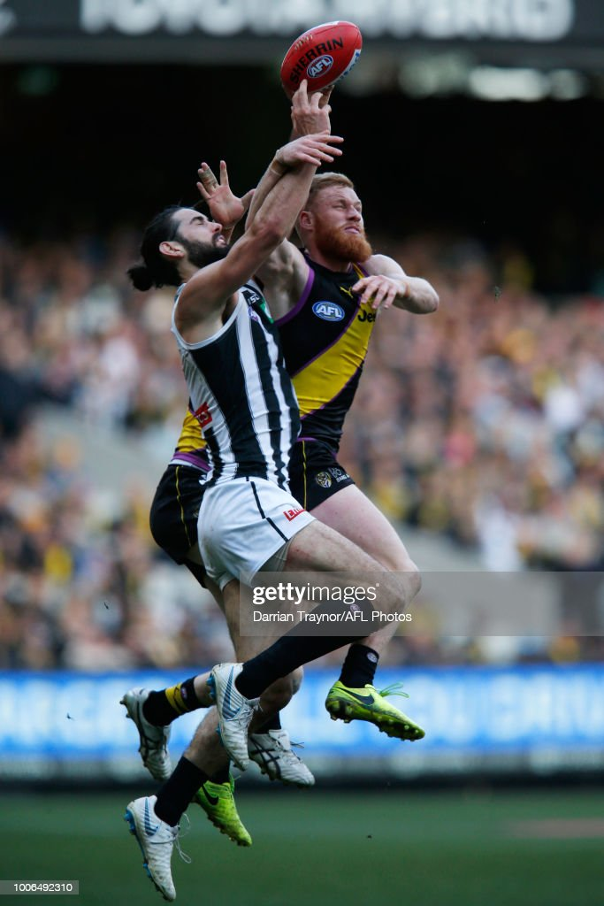 Nick Vlastuin of the Tigers spoils Brodie Grundy of the Magpies during the round 19 AFL match between the Richmond Tigers and the Collingwood Magpies at Melbourne Cricket Ground on July 28, 2018 in Melbourne, Australia.
