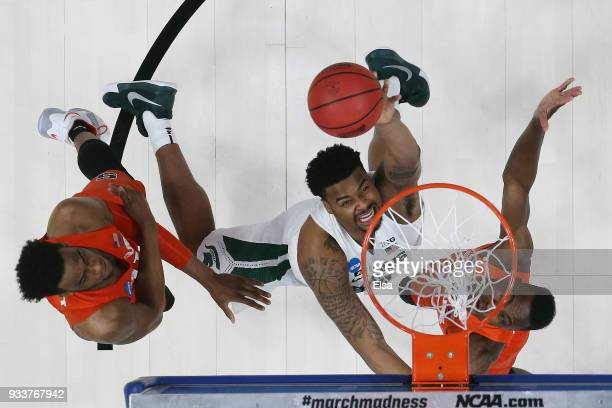 Nick Ward of the Michigan State Spartans shoots the ball against the Syracuse Orange in the second round of the 2018 NCAA Men's Basketball Tournament...