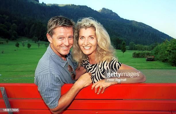 Nick Wilder Ehefrau Christine Mayn Charity Turnier zu Gunsten der Krebshilfe Österreich Golfclub WalchseeMoarhof an der Schwemm Golfplatz Panorama...