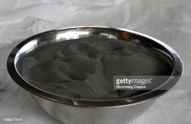 nickel ore - 金属鉱石 ストックフォトと画像