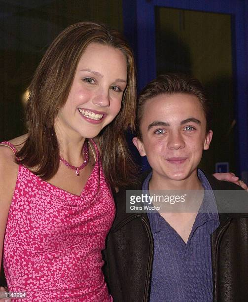 Nickelodeon's Amanda Bynes and actor Frankie Muniz arrive at the world premiere of Universal Pictures'' 'Josie and the Pussycats' April 9 2001 at the...
