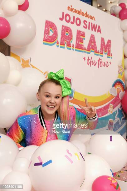 Nickelodeon's JoJo Siwa announces her upcoming EP and DREAM Tour at Sugar Factory on November 7 2018 in New York NY