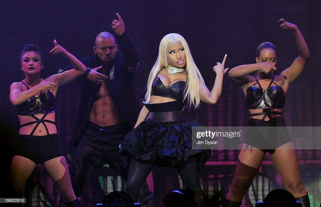Nicki Minaj Performs At The 02 Arena : News Photo