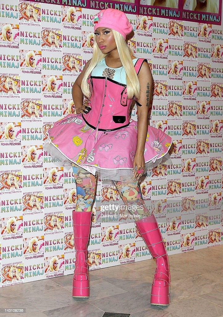 Nicki Minaj - Album Signing : ニュース写真