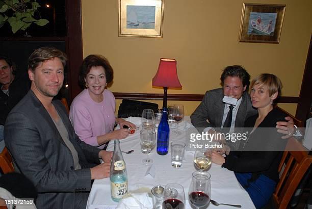 Nicki von Tempelhoff Lebensgefährtin Eva Karin Dor Kristian Kiehling Party zum 70 Geburtstag von Heide Keller neben den Dreharbeiten zur ZDFReihe...