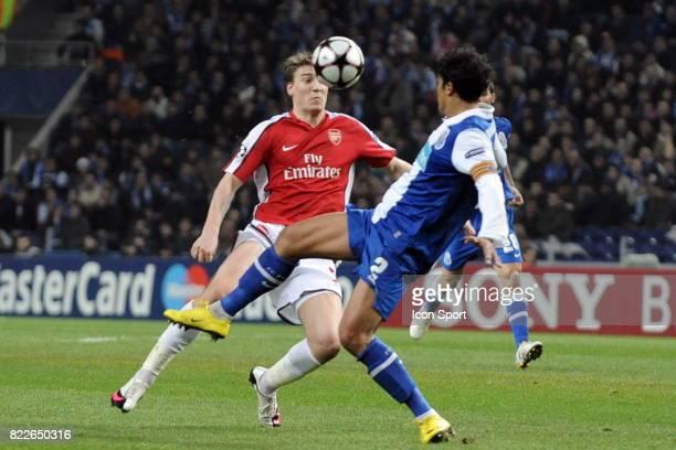 Nicklas Bendtner / Bruno Alves FC Porto / Arsenal 1/8 de Finale de la Ligue des Champions League Stade du Dragon