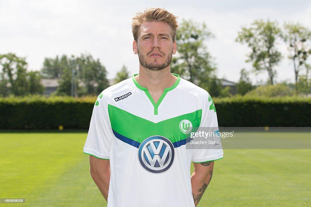 VfL Wolfsburg  - Team Presentation : News Photo