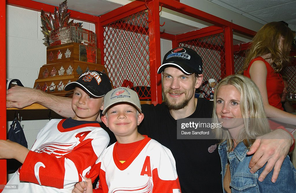 Hurricanes v Red Wings : News Photo