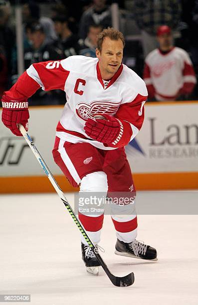 Nicklas Lidstrom of the Detroit Red Wings warms up before their game against the San Jose Sharks at HP Pavilion on January 9, 2010 in San Jose,...