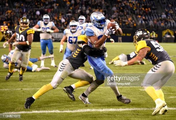 Nick Truesdell of the Salt Lake Stallions runs to a touchdown during the fourth quarter of the Alliance of American Football game against the San...