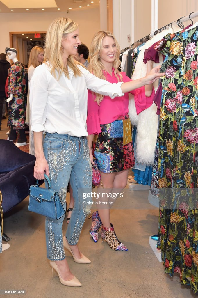 Nancy Davis, Kathy Hilton, Paris Hilton, Nicky Rothschild And Tessa Hilton Host alice + olivia x Race To Erase MS : News Photo