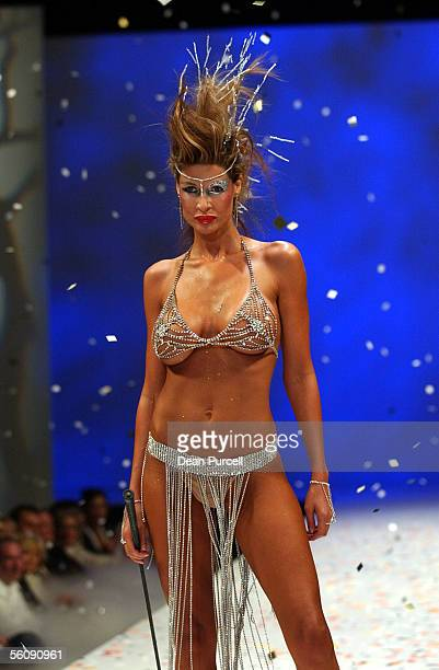 Nicky Watson models for IPG Autumn/Winter 2004 collection during the L'oreal New Zealand Fashion Week held at Auckland's Town Hall Wednesday