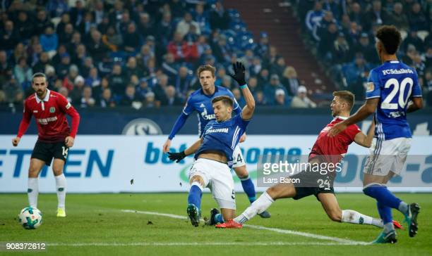 Niclas Fuellkrug of Hannover scores his teams first goal during the Bundesliga match between FC Schalke 04 and Hannover 96 at VeltinsArena on January...