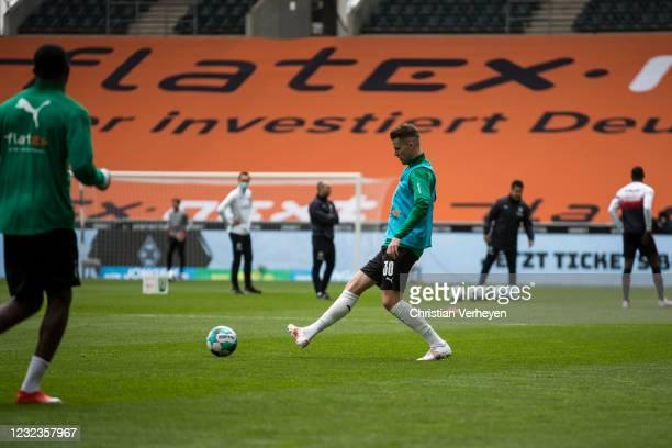 Nico Elvedi of Borussia Moenchengladbach in action before the Bundesliga match between Borussia Moenchengladbach and Eintracht Frankfurt at...