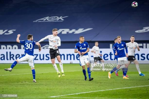 Nico Elvedi of Borussia Moenchengladbach score his teams third goal during the Bundesliga match between FC Schalke 04 and Borussia Moenchengladbach...