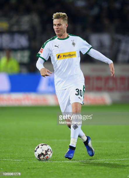 Nico Elvedi of Borussia Monchengladbach controls the ball during the Bundesliga match between SportClub Freiburg and Borussia Moenchengladbach at...