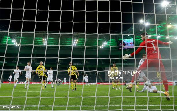 Nico Elvedi of Gladbach scores the opening goal during the Bundesliga match between Borussia Moenchengladbach and Borussia Dortmund at Borussia-Park...