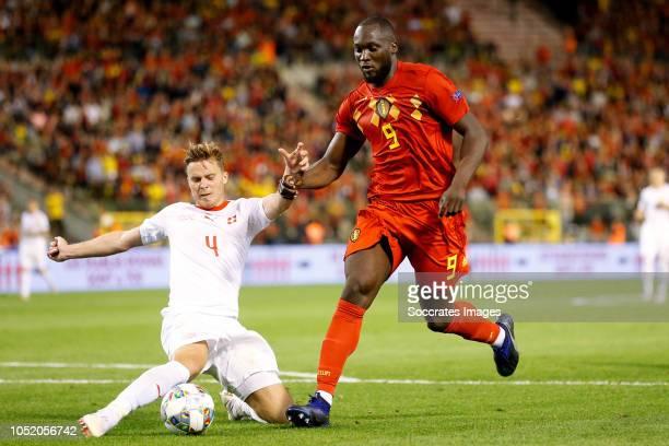 Nico Elvedi of Switzerland Romelu Lukaku of Belgium during the UEFA Nations league match between Belgium v Switzerland at the Koning Boudewijnstadion...