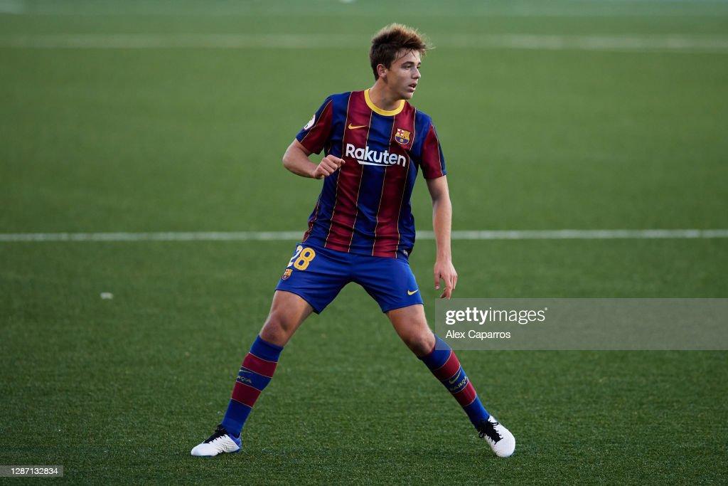 CE L'Hospitalet v FC Barcelona B - Segunda Division B : News Photo