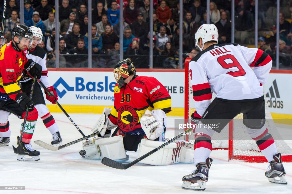 factory price fd3c4 39489 Nico Hischier of New Jersey Devils tries to score against ...