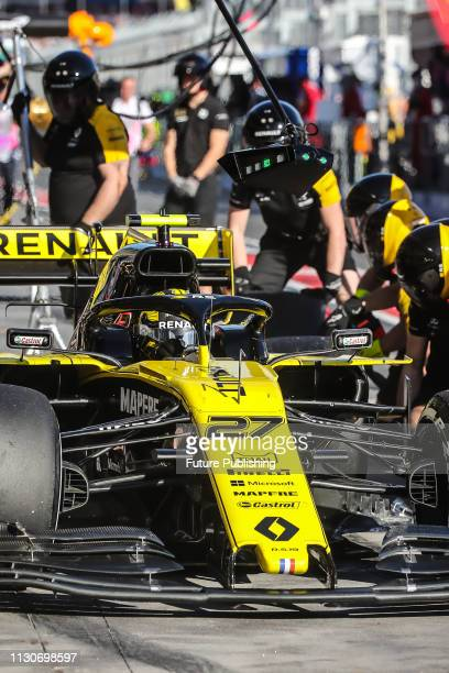 Nico HULKENBERG of Renault Sport F1 Team in the pitlane during 2nd practice on day 2 of the 2019 Formula 1 Australian Grand Prix
