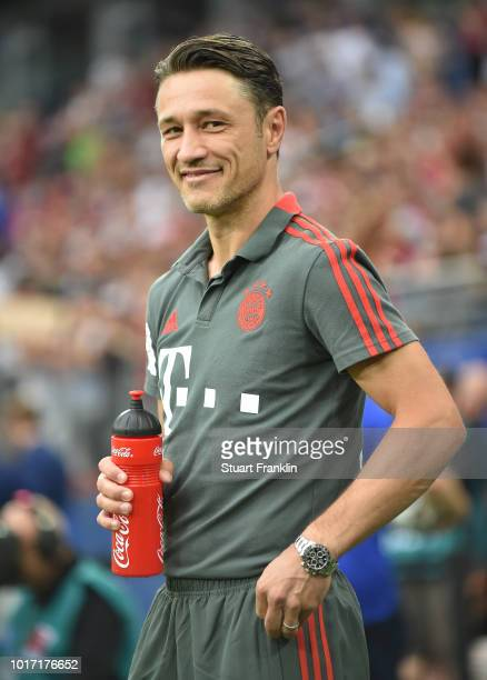 Nico Kovac head coach of Muenchen looks on during the friendly match between Hamburger SV and Bayern Muenchen at Volksparkstadion on August 15 2018...