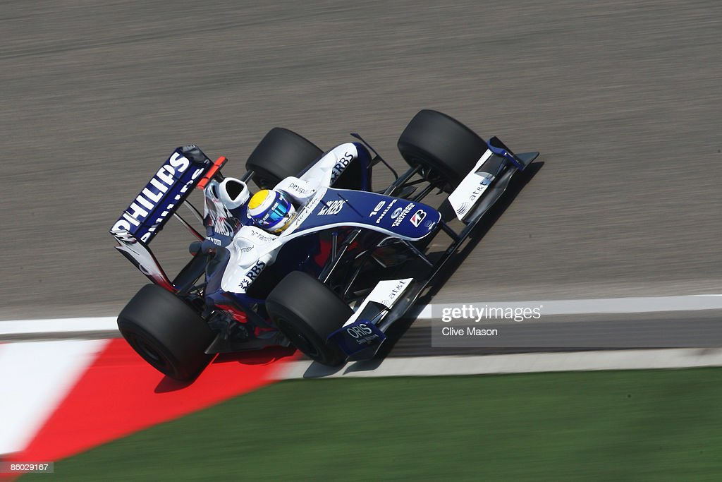 Nico Rosberg of Germany and Williams drives during qualifying for the Chinese Formula One Grand Prix at the Shanghai International Circuit on April 18, 2009 in Shanghai, China.