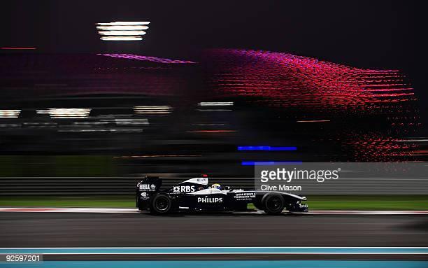 Nico Rosberg of Germany and Williams drives during the Abu Dhabi Formula One Grand Prix at the Yas Marina Circuit on November 1, 2009 in Abu Dhabi,...