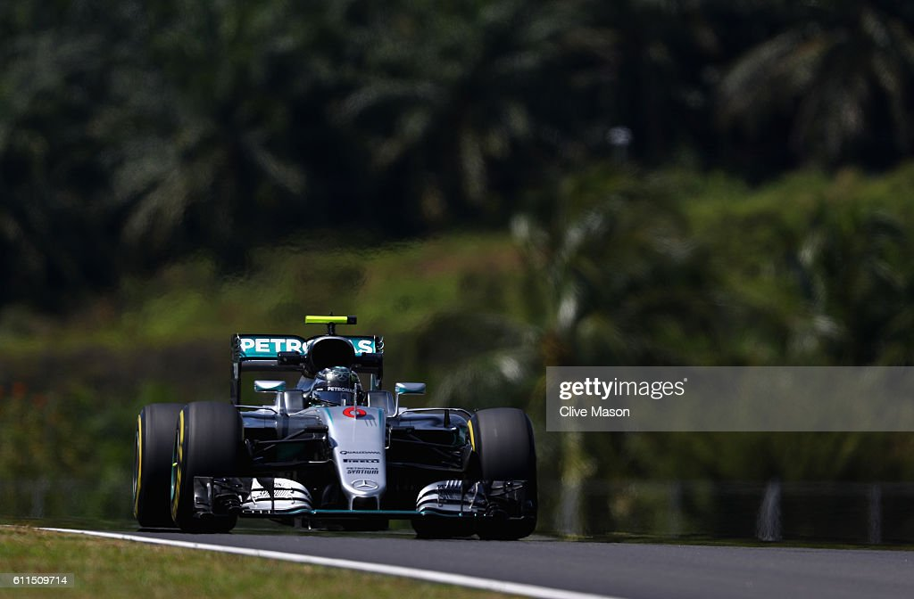 Nico Rosberg of Germany driving the (6) Mercedes AMG Petronas F1 Team Mercedes F1 WO7 Mercedes PU106C Hybrid turbo on track during practice for the Malaysia Formula One Grand Prix at Sepang Circuit on September 30, 2016 in Kuala Lumpur, Malaysia.