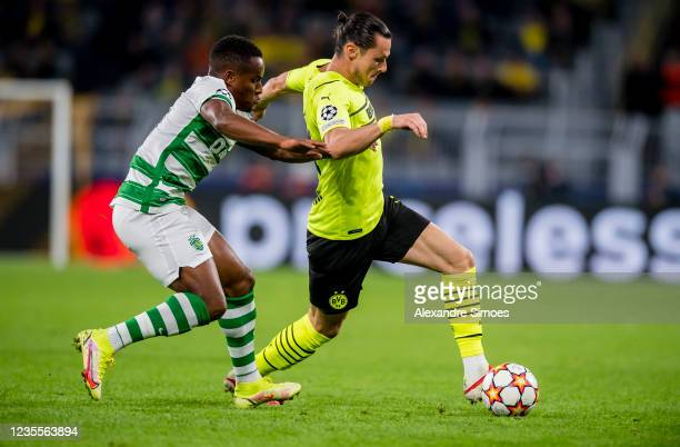 Nico Schulz of Borussia Dortmund in action during the Champions League Group C match between Borussia Dortmund and Sporting Lissabon at the Signal...
