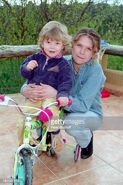 Nico Wellenbrink Suanna Wellenbrink Mallorca Spanien Schauspielerin Homestory Familie Promis Prominente Prominenter