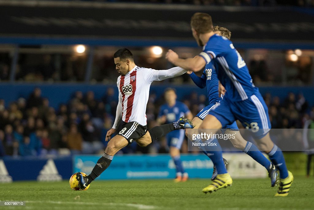 Nico Yennaris of Brentford scores Brentford's third goal during the Sky Bet Championship match between Birmingham City and Brentford at St Andrews Stadium on January 2, 2017 in Birmingham, England (Photo by Nathan Stirk/Getty Images).