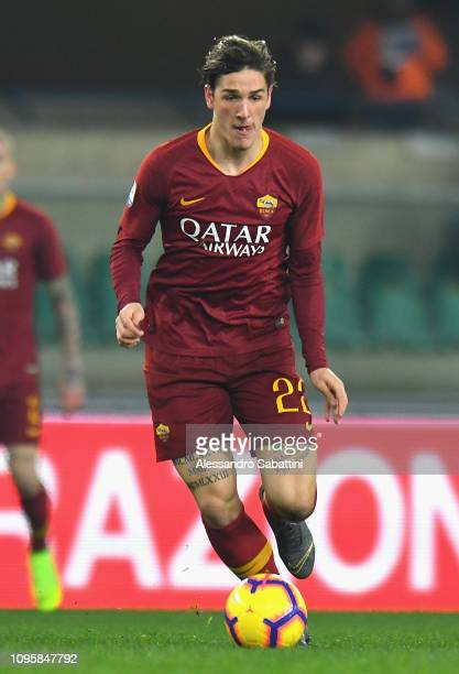 Nicolò Zaniolo of AS Roma in action during the Serie A match between Chievo Verona and AS Roma at Stadio Marc'Antonio Bentegodi on February 8 2019 in...