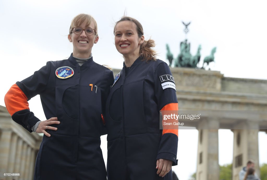 Germany Presents Its First Female Astronauts : ニュース写真