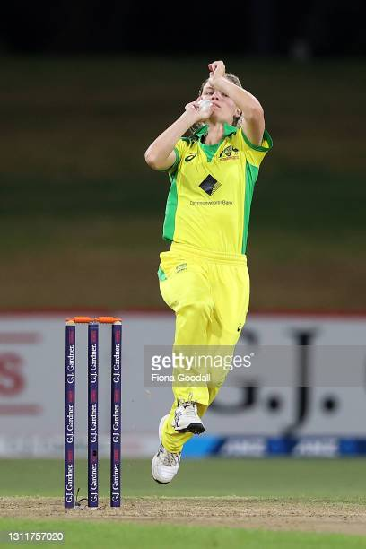 Nicola Carey of Australia bowls during game three of the One Day International series between the New Zealand White Ferns and Australia at Bay Oval...