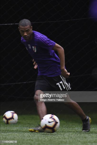 Nicola De la Cruz of River Plate during a training session at CAT Alfredo Gottardi on May 21 2019 in Curitiba Brazil River Plate will face Atletico...
