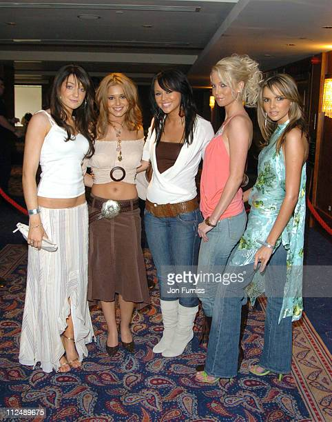 Nicola Roberts Cheryl Tweedy Kimberley Walsh Sarah Harding and Nadine Coyle of Girls Aloud