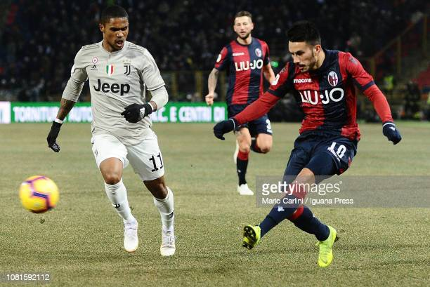 Nicola Sansone of Bologna FC in action during the Coppa Italia match between Bologna FC and Juventus at Stadio Renato Dall'Ara on January 12 2019 in...