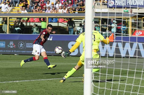 Nicola Sansone of Bologna FC scores a goal during the Serie A match between Bologna FC and Empoli at Stadio Renato Dall'Ara on April 27 2019 in...